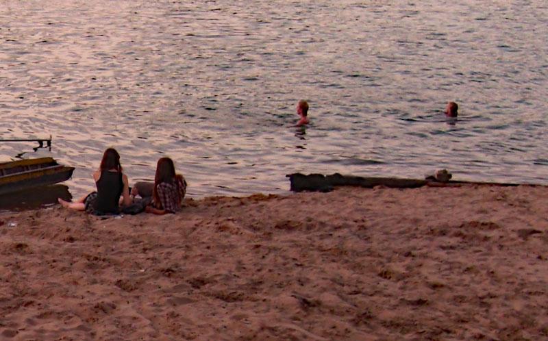 デット島のビーチ